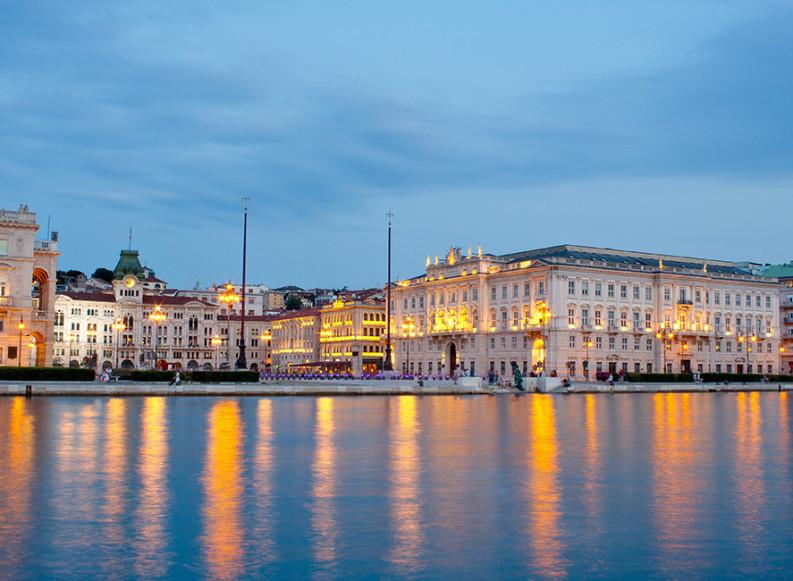 Trieste, il risveglio della vecchia signora