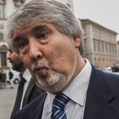 Breve fuga del cervello di Poletti Giuliano, ministro
