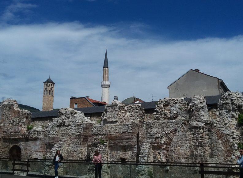 """Sarajevo addio. """"25 anni dopo, le tre tribù continuano a produrre odio"""""""