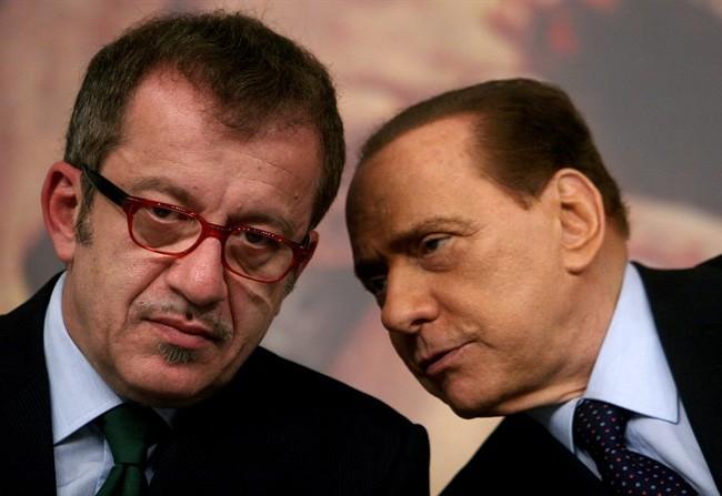 Maroni minaccia Salvini (come Berlusconi minacciava Bossi)