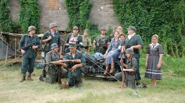 Il sindaco per il 25 aprile mette in scena l'esercito nazista