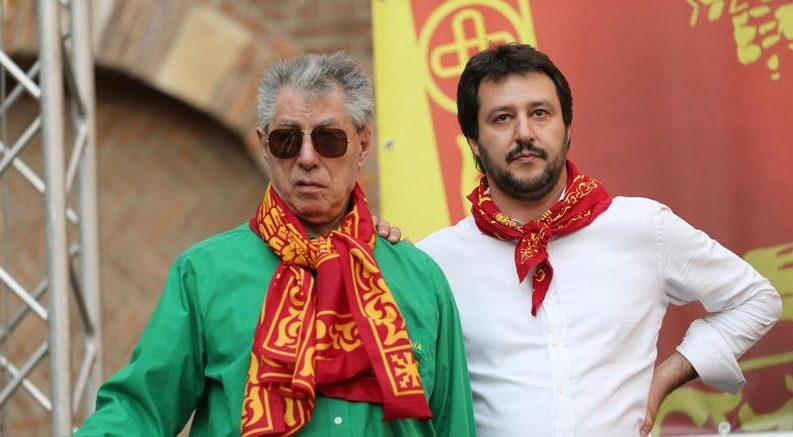 Così Salvini (e una legge voluta dal Pd) salva Bossi dal processo