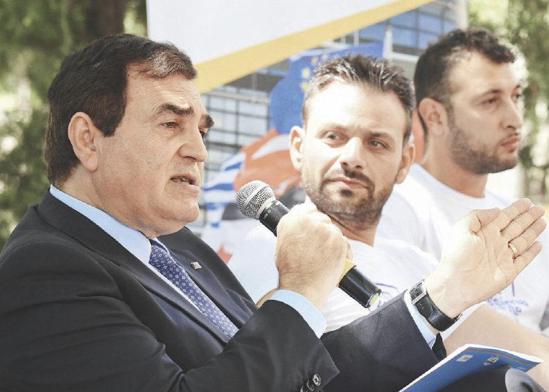 Guerra in famiglia per Aldo Patriciello, il Berlusconi del Sud