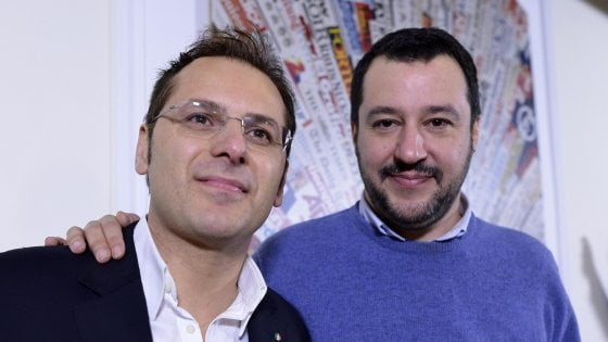 Il lato B della crisi di governo: Salvini salva il computer di Siri