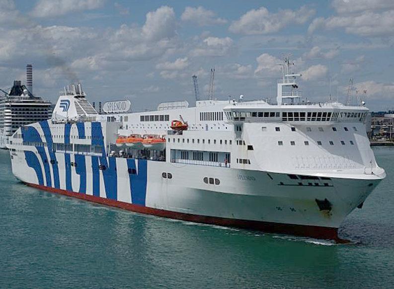 Trieste, la nave-lazzaretto e altri conflitti d'interesse