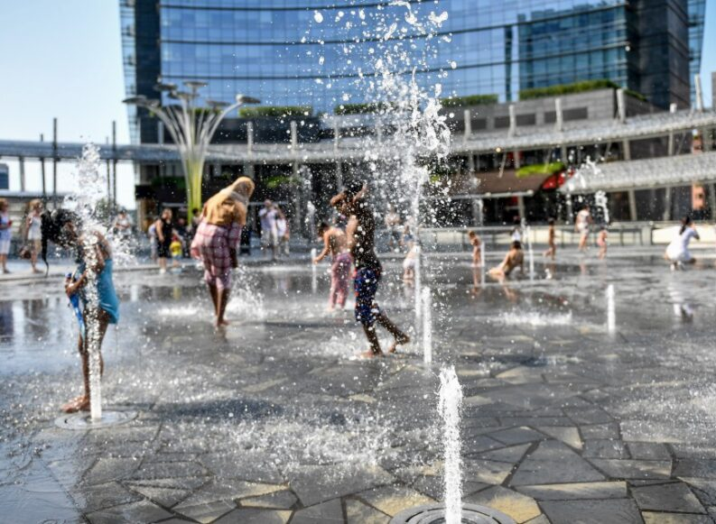 Milano sta perdendo la gestione della sua acqua (con una strana consulenza)