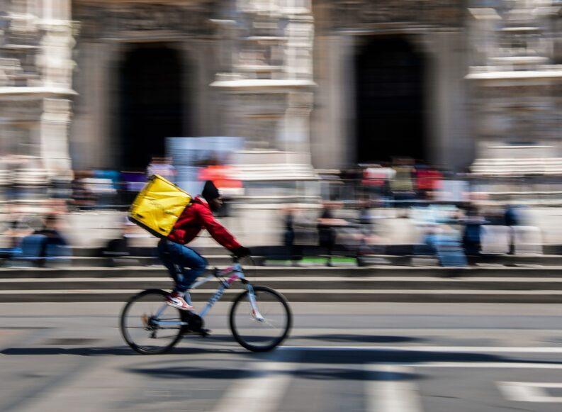 Rider: Candido, ovvero del conflitto impossibile. Dialogo tra uno scrittore e un giudice