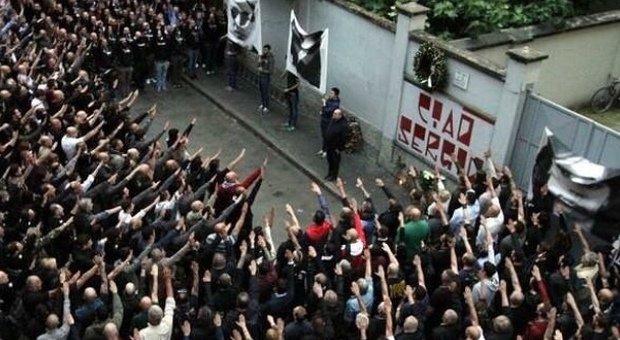 Pietà per tutti i morti. Ma niente tolleranza per il fascismo